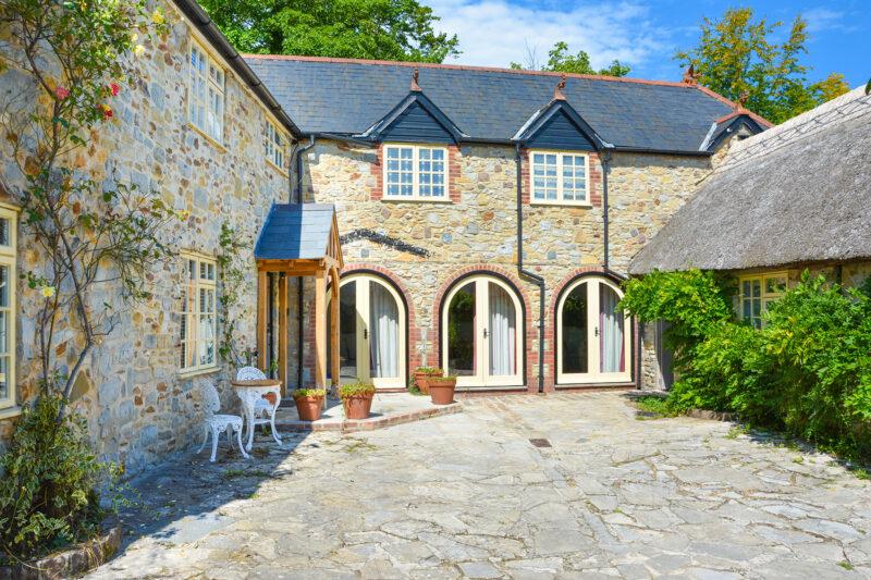 Shared courtyard area