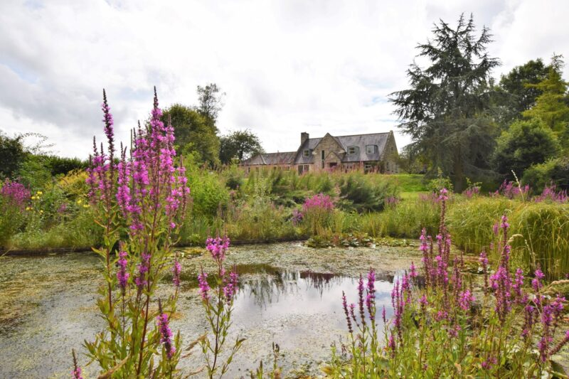 Secluded and peaceful setting in expansive grounds