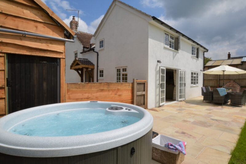 Relax in the enclosed garden or chill in the hot tub