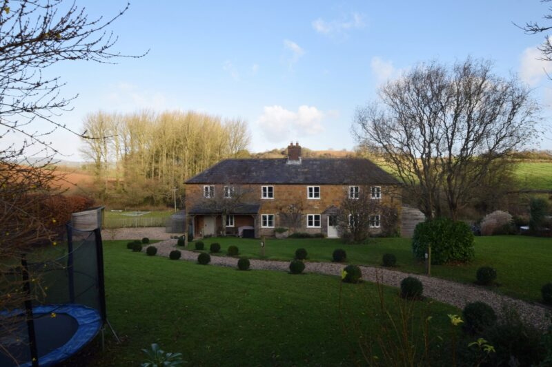 Tranquil setting surrounded by countryside