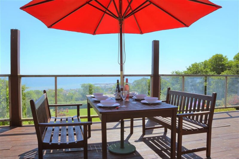 Alfresco dining on the veranda